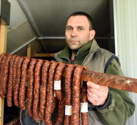 Kiváló minőségű hentesáru Kamránk hűtőpolcán - Tóth Lajos